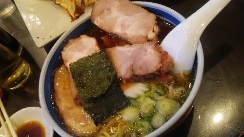「チャーシュー麺+餃子」@蓬来軒 本店の写真