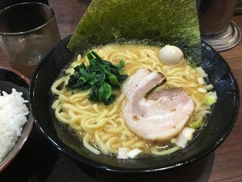「ラーメン+半ライス/¥680+100」@横濱家系ラーメン 秋津商店の写真