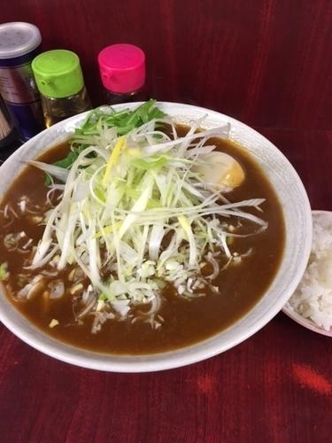 「カレー麺 850円+ネギ100円(大盛り&半ライスサービス)」@二代目めん家 味味の写真