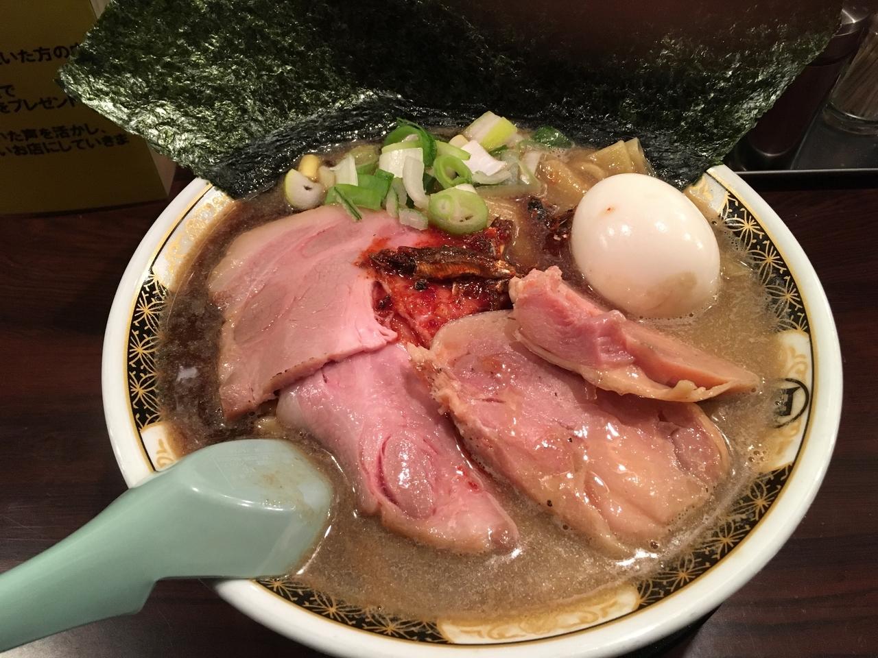 味噌や醤油、鶏白湯系も全て揃う!日本一の摩天楼「西新宿」に潜むラーメン店8選