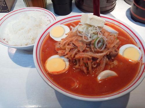 「味噌卵麺+半ライス+バター 1060円」@蒙古タンメン中本 品川店の写真