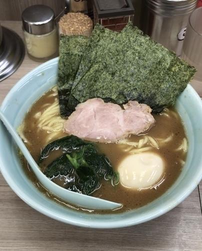 「味玉ラーメン 並 脂少なめ」@横浜ラーメン 武蔵家 白山店の写真
