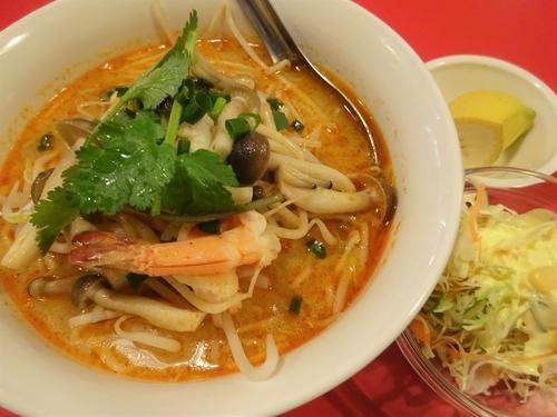 「レックトム (トムヤムクンの米麺)  800円」@バンコック コスモ食堂の写真