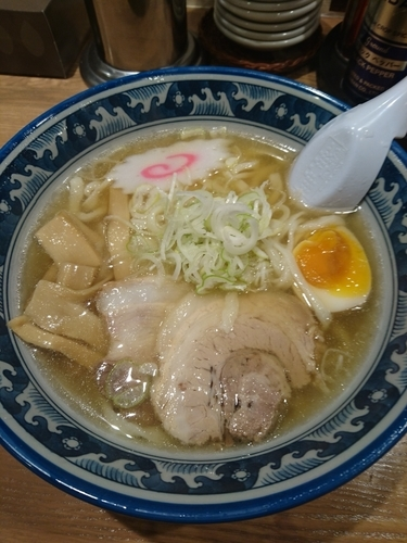 「しょうゆらーめん690円 (ラーパスで590円)」@手打ちらーめん 麺之介の写真