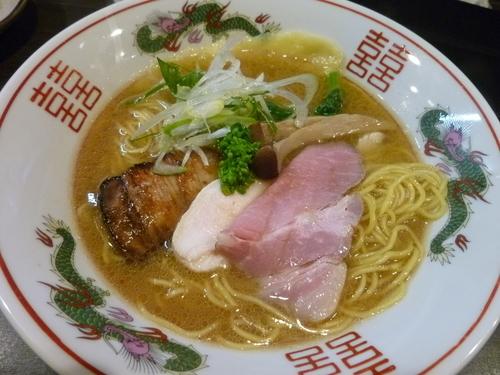 「中華そば+焼きモッツァレラ」@幻のタンポポの写真