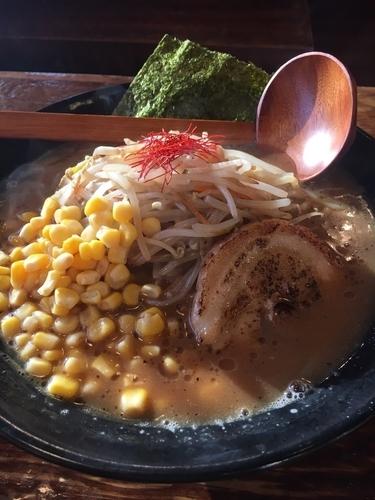 「赤マル味噌ラーメン」@マルヤ商店の写真