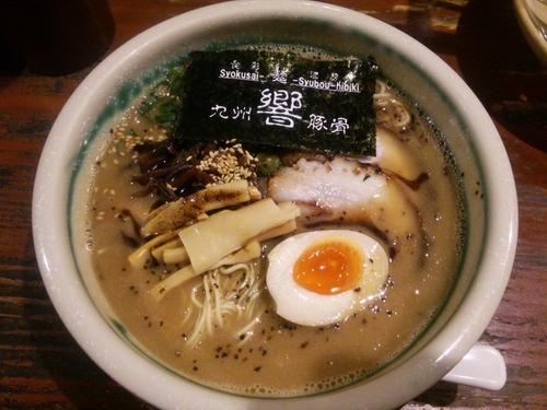 「黒響らぁめん(ハリガネ)+替玉(ハリガネ)×2」@食彩麺酒房 響の写真
