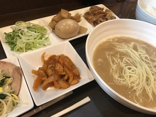 「豚骨ラーメン食べ放題」@拉麺ビュッフェBUTAの写真