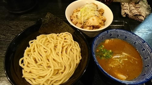 「濃厚魚介つけめん中盛+ネギチャーシュー丼」@麺屋 中川會 錦糸町店の写真