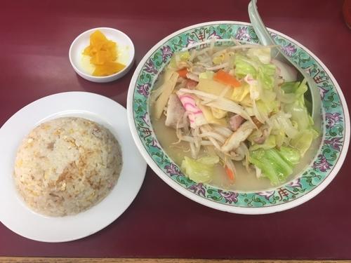 「長崎ちゃんぽん+半チャーハン(1150円)」@西海の写真