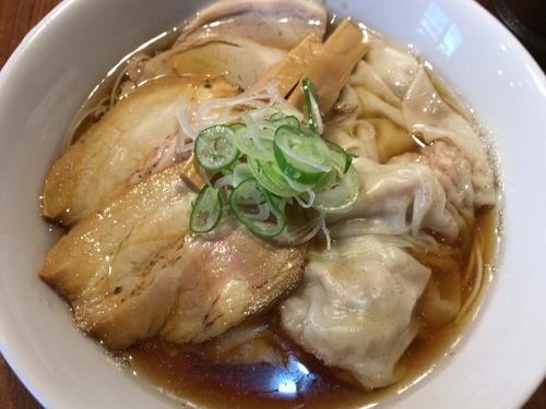 「ワンタンチャーシューメン900円」@寿製麺よしかわ 川越店の写真
