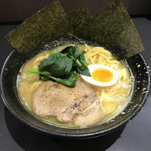 「醤油豚骨らーめん(¥680)」@横浜家系ラーメン 龍源 池上店の写真