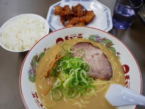 「鶏唐揚げ定食 大盛 麺硬め」@天下一品 錦糸町店の写真