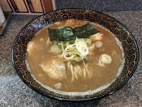 「煮魚出汁ラーメン」@つけめん 美豚 小作店の写真