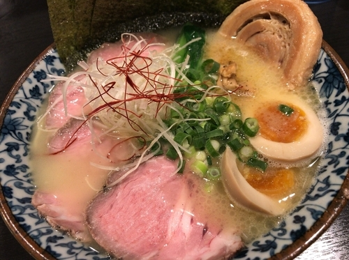 「特製濃厚鶏白湯」@麺処 れん屋の写真