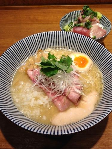 「濃厚真鯛そば 海鮮丼」@寿製麺よしかわ 川越店の写真