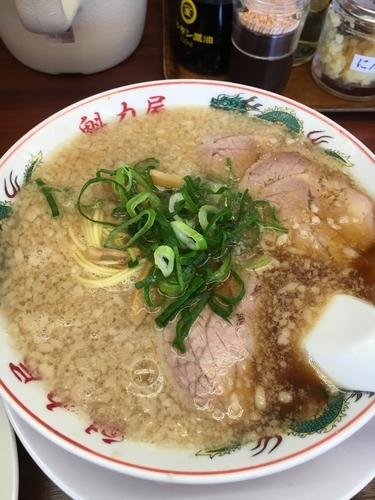 「特製醤油ラーメン(並)¥650+焼き飯¥230」@魁力屋 茨木店の写真