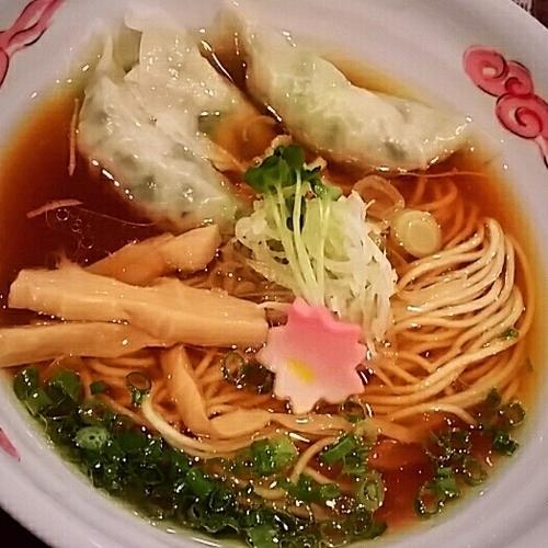 「餃子ラーメン 700円」@鉄鍋餃子・石焼炒飯 龍神の写真