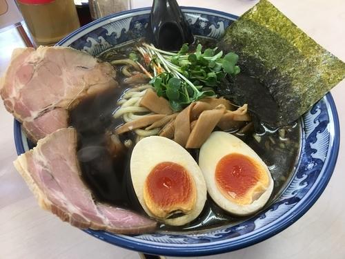 「黒醤油 780円 味玉 100円」@あぢとみ食堂の写真