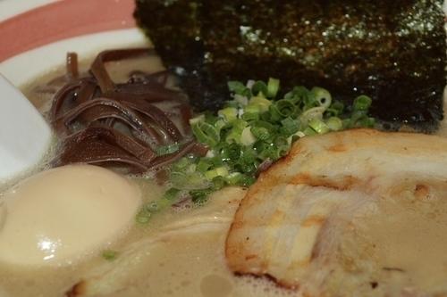 「味玉中太麺」@とんこつラーメン 光★MENJIの写真
