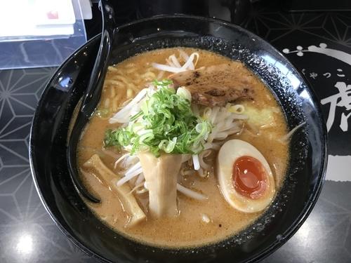 「豚骨味噌ラーメン」@麺屋白虎 甲府店の写真