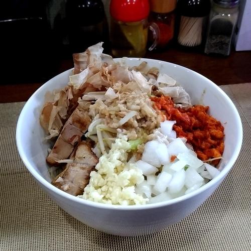 「【限定】三代目次郎ちゃん(ニンニク・アブラ)」@麺丼Dining 夢者の写真