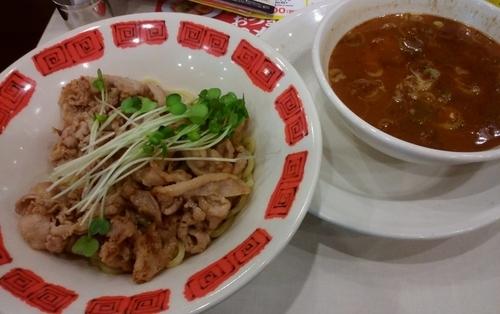 「焼肉のっけ盛りつけ麺・肉ダブル」@バーミヤン みなとみらい店の写真