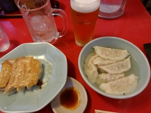 「焼餃子(6個)230円+水餃子(6個)230円」@宇都宮みんみん 駅東口店の写真
