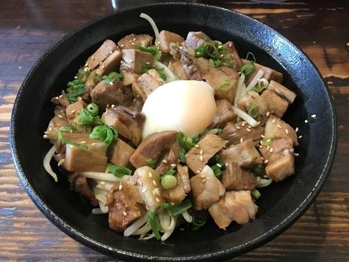 「肉盛まぜそば  950円」@らーめん 本竈の写真