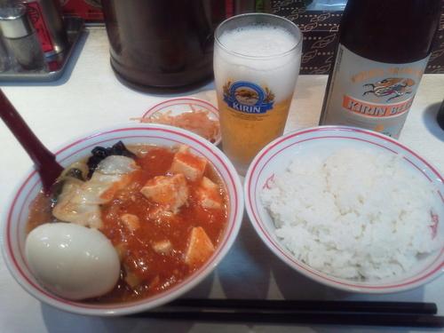 「瓶ビールセット+半ライス=1030円」@蒙古タンメン中本 品川店の写真