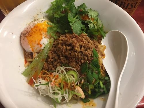 「汁なし担々麺 + 温玉パクチー + 肉味噌二倍」@noodles house 錦鯉の写真