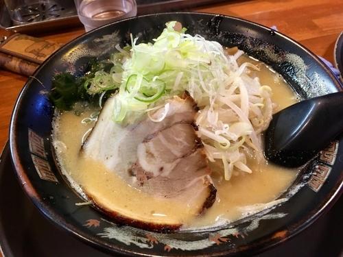 「味噌らーめん¥800+サービス券餃子5個」@味源 小平店の写真