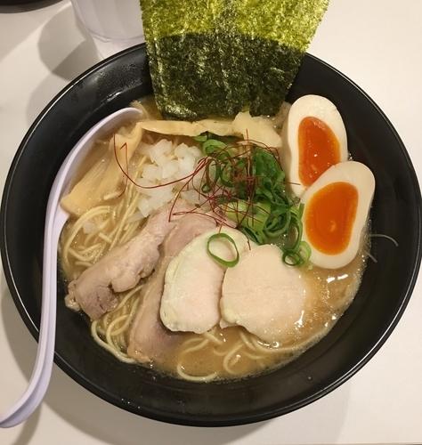 「超濃厚特製鶏白湯そば」@めんや 鶏志の写真