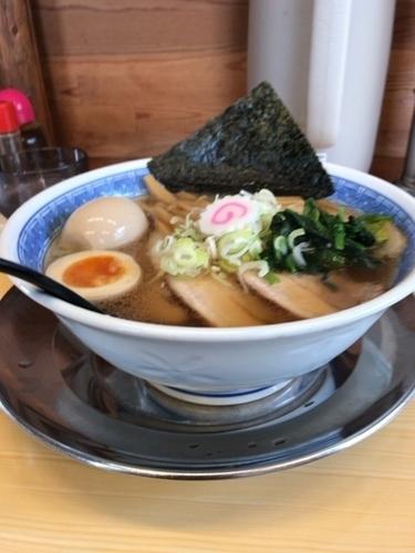 「長岡チャーシュー麺750円➕半熟煮卵120円」@らーめん飛雄馬 見附店の写真