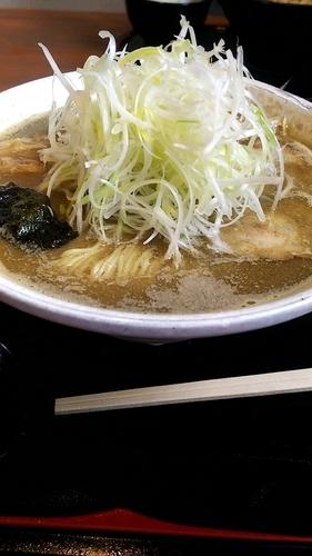 「煮干しだし中華そば(大盛り) ネギ、味玉」@くりの木 加須店の写真