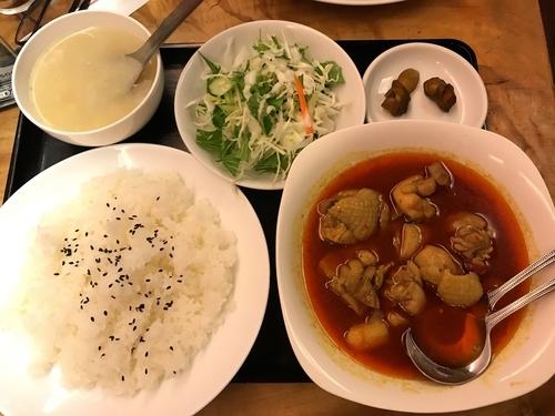「鶏肉のエスニックカレー 辛口(定食)」@中華料理 味楽来の写真
