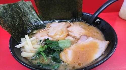 「チャーシューラーメン 麺カタメ のり増し」@杉田家の写真