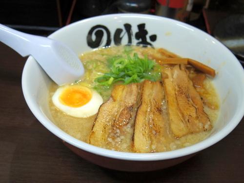 「豚骨醤油らーめん」@麺屋のりお 難波中店の写真