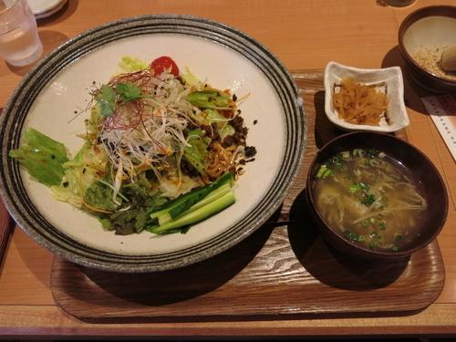 「汁なし担々麺:950円」@中華麺ダイニング 鶴亀飯店の写真