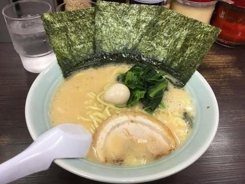 「醤油ラーメン」@横浜家系ラーメン 魂心家 大阪なんば店の写真