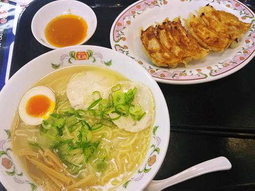 「白湯鶏ラーメンジャストセット」@餃子の王将 君津店の写真
