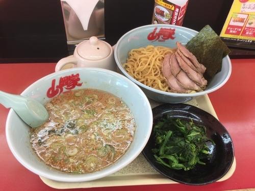 「醤油つけ麺 大盛」@ラーメン山岡家 さいたま丸ヶ崎店の写真