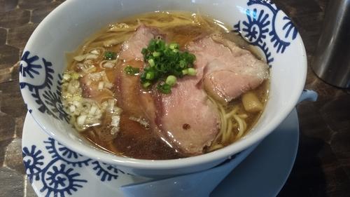 「醤油そば750円窯焼チャーシュー150円」@特級鶏蕎麦 龍介の写真