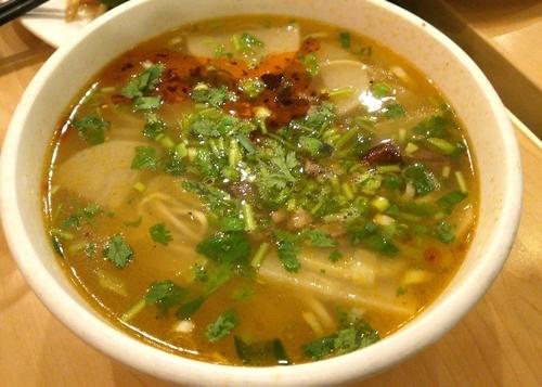 「骨汤牛肉面 15元」@西部马华Western Mahua 四道口北街店の写真