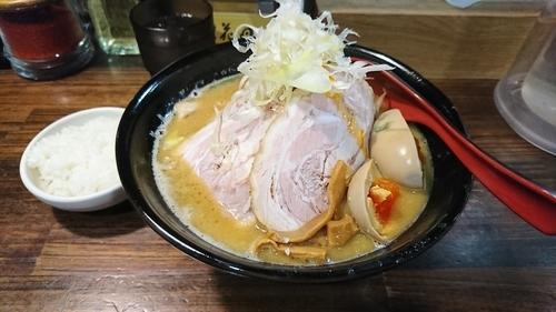 「味卵味噌チャーシュー麺 ¥1090」@麺処 花田 池袋店の写真
