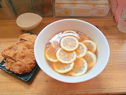 「レモンラーメン+鶏天」@中華蕎麦 りんすず食堂の写真