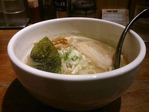 「中華そば」@麺屋 みちしるべ つつじヶ丘店の写真