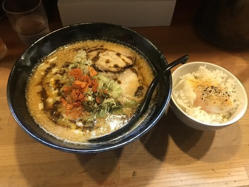 「みそカリーチーズ麺 温玉ライス付き」@獅子王の写真