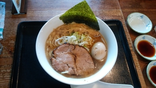 「味玉ラーメン+餃子3個」@らーめんはるか86の写真
