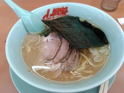 「チャーシュー麺 860円」@ラーメン山岡家 君津店の写真